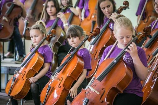 Klaipėdoje - šventinis Suzuki violončelės mokyklos koncertas