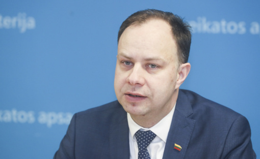 "Ministras A. Veryga: ""Nuo rugsėjo medikų algos dar didės"""