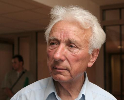 Mirė buvęs Seimo narys ir žemės ūkio ministras V. Einoris