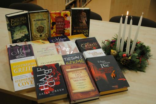 """Pasibaigusi akcija """"Knygų Kalėdos"""" skaitytojams dovanojo naujų knygų ir skaitymo džiaugsmą"""
