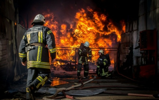 Didėja ugniagesių gelbėtojų ir kitų pareigūnų darbo užmokestis