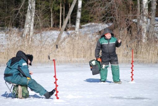 Būkite atsargūs ant užšalusių vandens telkinių!