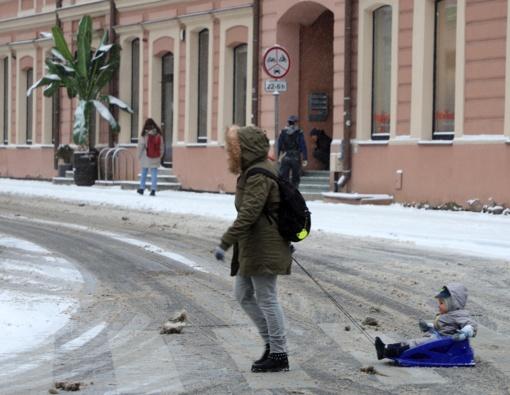 Sudėtingesnės eismo sąlygos Šiaurės vakarų Lietuvoje