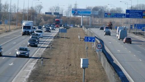 Eismo saugumo didinimas: kokios naujovės mūsų laukia keliuose?