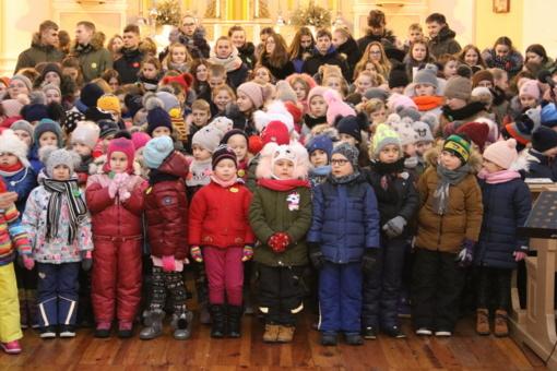 Veisiejų Šv. Jurgio bažnyčioje nuaidėjo kalėdinės giesmės
