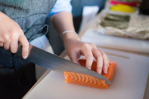 Vis daugiau lietuvių valgo šviežią žuvį