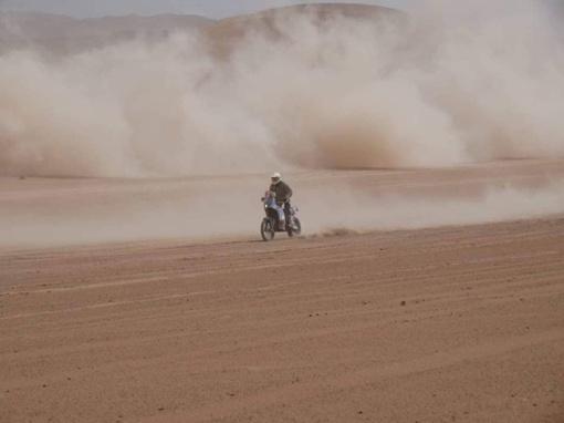 B. Bardauskas penktąjį Dakaro ralio etapą prisimins kaip akmenų košmarą, privertusį imtis net kūrybos