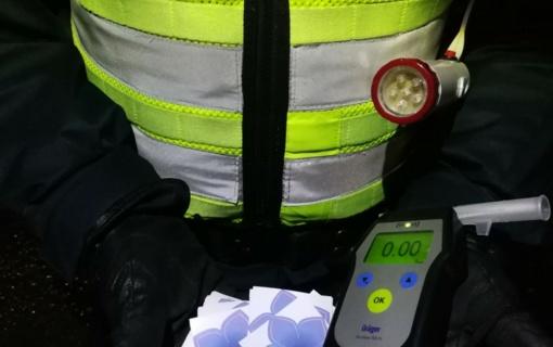 Kauno apskrities policijos pareigūnai savaitgalį daugiau nei pusei tūkstančio vairuotojų patikrino blaivumą