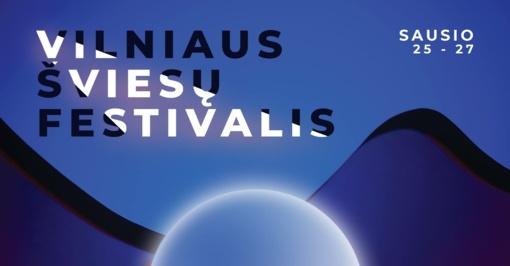 Unikalu pasaulyje: šviesų festivalyje vilniečių emocijos virs Trijų kryžių apšvietimo spalvomis