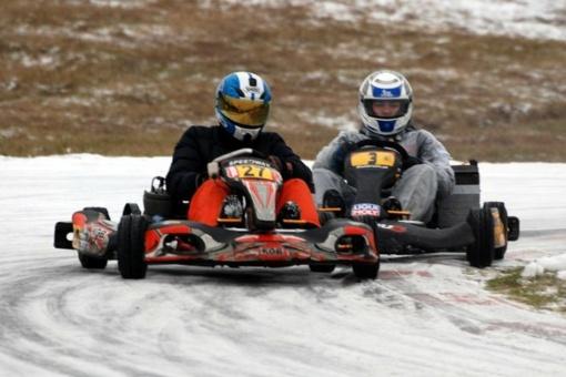 """""""Žiemos taurės"""" kartingų lenktynėse – dalyvių skaičiaus rekordas"""