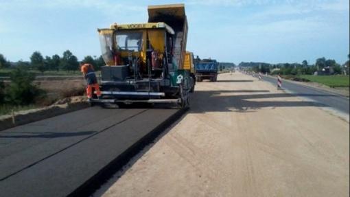 LAKD skelbia ultimatumą kelininkams: nekokybiški keliai privalo būti sutvarkyti iki metų galo