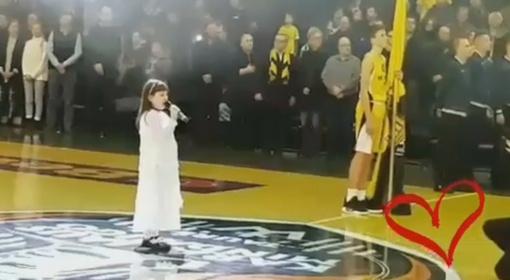Jaudinanti akimirka: prieš varžybas mažoji Sofija sugiedojo Lietuvos Respublikos himną