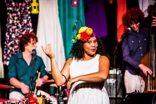 Brazilijos dainininkė Lilian Vieira Šiauliuose užkurs audringą vakarėlį!