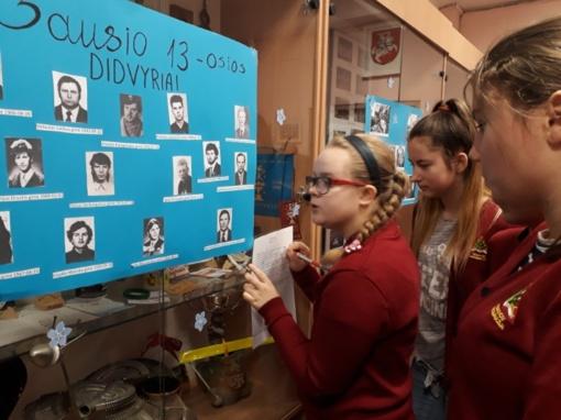 """Edukacinė veikla """"Išsaugokime atmintį"""" progimnazijos muziejuje"""