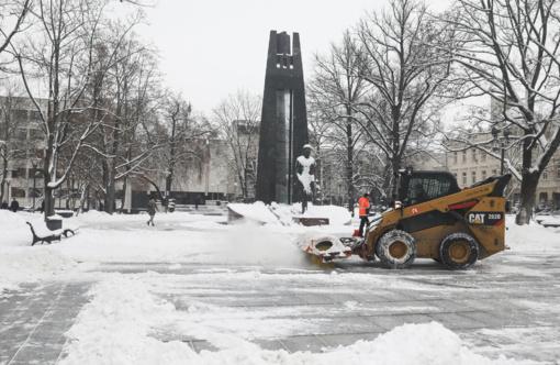 """""""Grinda"""": dirba visa gatvių priežiūros technika"""