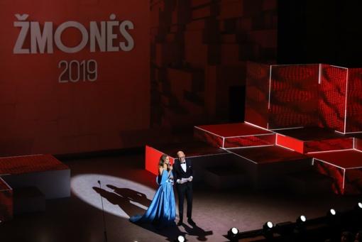 """Išdalinti """"Žmonės 2019"""" apdovanojimai: kas tapo metų mylimiausiais? (fotogalerija)"""