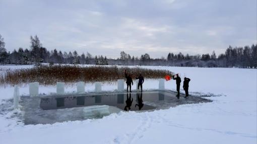Radviliškiečių iššūkis - 30 dienų maudynės lediniame vandenyje (vaizdo įrašas)