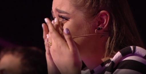"""""""Lietuvos balsas. Vaikai"""" projekte – per visą dalyvės pasirodymą stovėjusi arena ir Monikos Marijos nesuvaldytos ašaros (vaizdo įrašas)"""