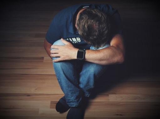"""Psichologas apie """"mėlynąjį pirmadienį"""": mėgstantiems nesaikingai pašvęsti, dažnas pirmadienis ne tik mėlynasis, bet ir juodasis"""
