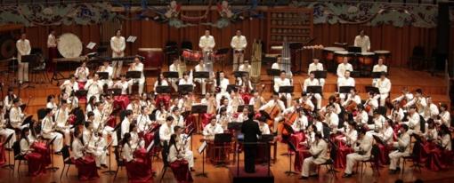Plungės kultūros centre – įspūdingas orkestro iš Kinijos koncertas