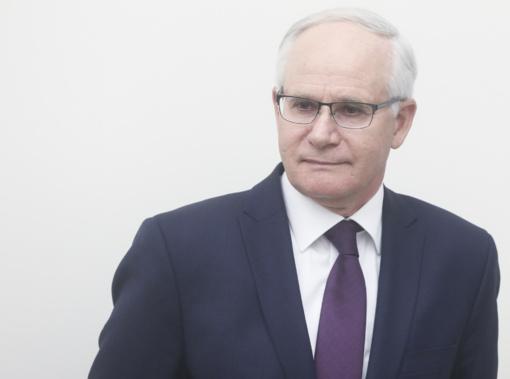 """Ministras aiškinasi dėl švietimo lėšų """"betonui"""": planas buvo gelbėti darbo vietas"""