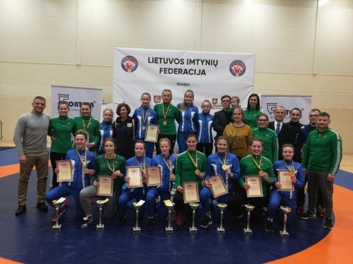 Lietuvos Respublikos imtynių čempionate – šeimininkių triumfas