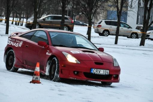 Automobilių sporto veteranų slalomo nugalėtoja - Kauno komanda