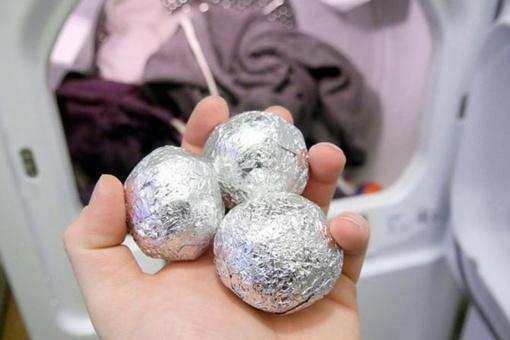 Aliuminio folijos rutuliukai – kad rūbai neįsielektrintų
