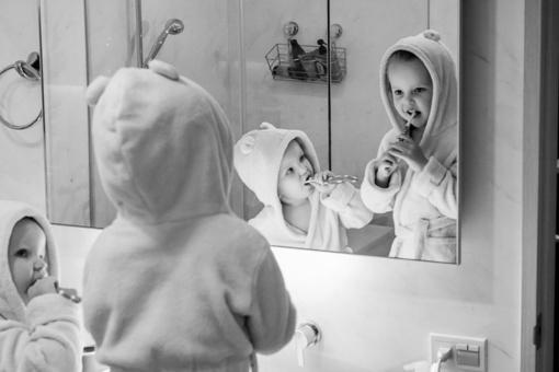 Vaikas nenori valytis dantų? Pasinaudokite gudriais patarimais!