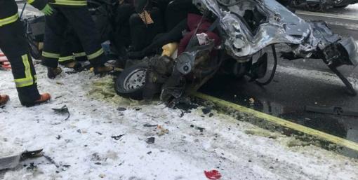 Iš avarijos prie Prienų į ligoninę išgabenti trys nukentėjusieji