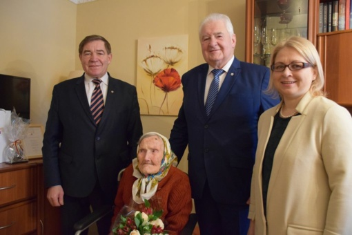 Panevėžietė pasveikinta 105-ojo gimtadienio proga
