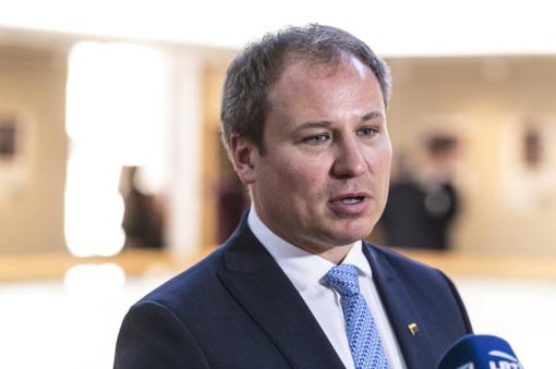 """Ministrą G. Surplį socialdemokratai apskundė VTEK: """"valstietis"""" naudojosi tarnyba"""