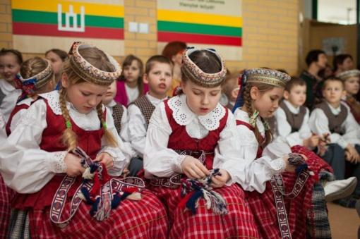 Ministras Algirdas Monkevičius Vasario 16-osios proga pasveikino užsienio lituanistines mokyklas