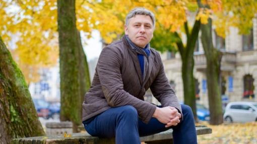"""Politiniai kaliniai ir tremtiniai teismui skųs prokuratūros sprendimą nepradėti tyrimo dėl M. Ivaškevičiaus romano """"Žali"""""""