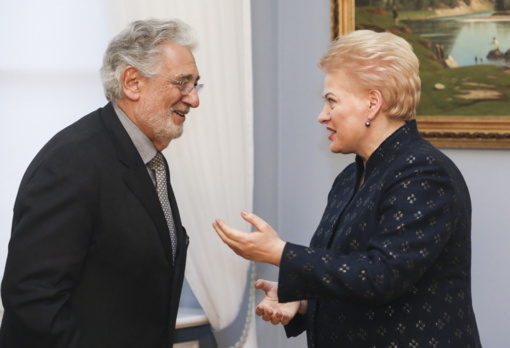 Prezidentė susitiko su pasaulinio garso tenoru P. Domingo