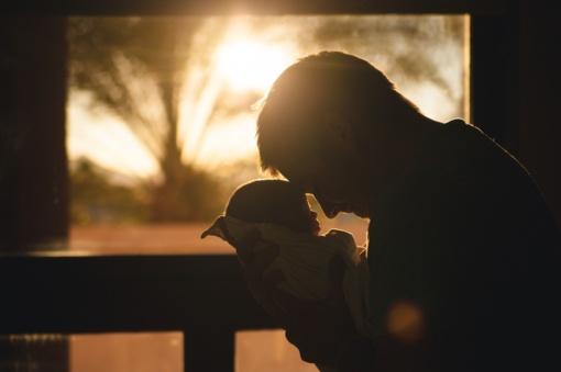SADM teiks pataisas dėl dirbančių tėvų pirmaisiais vaiko priežiūros metais