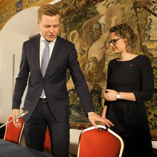 Vasario 16-ąją A. Armonaitė ir R. Šimašius pradeda kurti liberalią politinę partiją