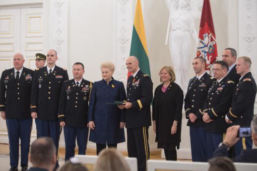 Valstybės apdovanojimai – Lietuvos ir JAV kariams