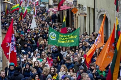 Vasario 16-oji – viena gražiausių švenčių, sako Lietuvos jaunimas