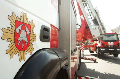 Gedimino prospekte kilo gaisras: dega masažo kabinetas