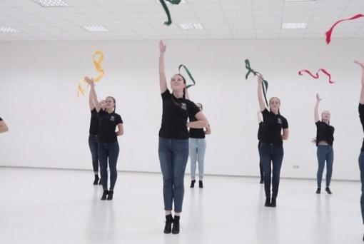 Kviečia dalyvauti Kovo 11-osios masiniame šokyje (vaizdo įrašas)