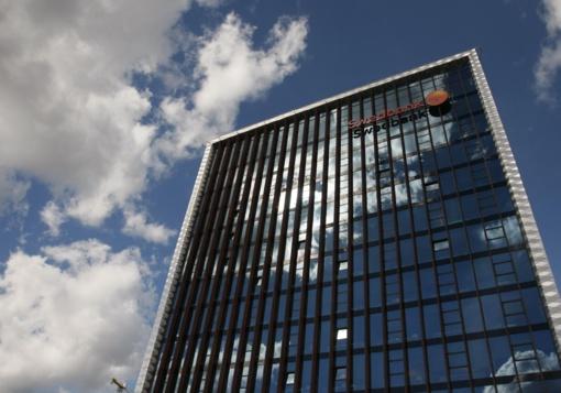 """""""Swedbank"""" kaltinamas pinigų plovimu"""