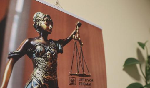 Teismas atmetė Vyčio šalininkų prašymus stabdyti maketo Lukiškių aikštėje eksponavimą