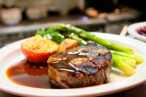 Raudona ar balta mėsa: ką privalome žinoti ne tik renkantis, bet ir gaminant?