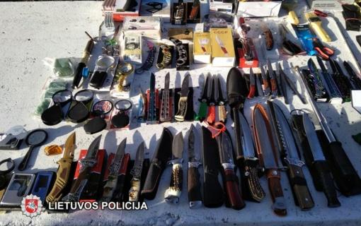 Klaipėdos turgavietėje prekiauta ginklais