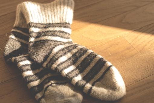 Ar reikėtų miegoti su kojinėmis? Štai ką apie tai mano mokslininkai ir kaip šis sprendimas gali paveikti jūsų seksualinį gyvenimą