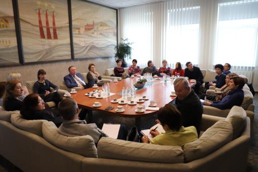Druskininkų savivaldybėje Tarptautinės gido dienos proga posėdžiavo savivaldybės atstovai ir krašto gidai