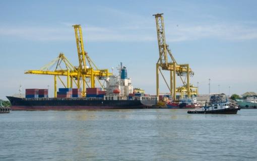 """Laivai """"Lazurite"""" ir """"Wes Janine"""" įtariami dėl jūrinio gazolio naudojimo"""