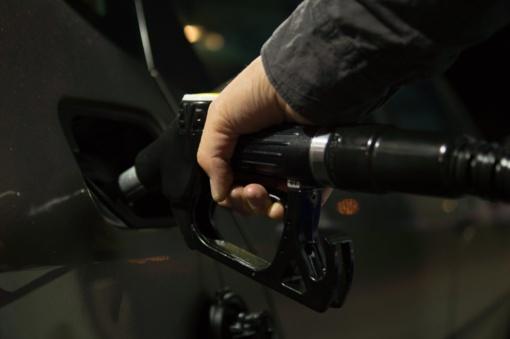 Priminimas vairuotojams: išsiblaškymo kaina degalinėje gali būti itin didelė