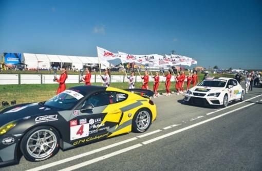 """1006 km lenktynėse - jauni veidai ir dar nematytas """"Lamborghini"""""""